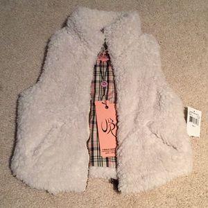 Urban Republic faux fur vest NWT